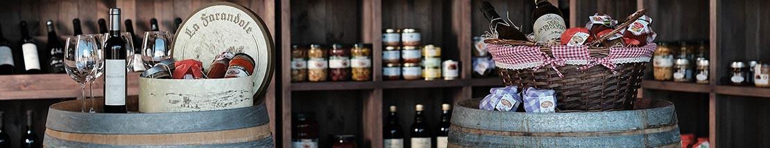 Presentation de bouteiilles de vin et de produits divers et de coffrets cadeaux